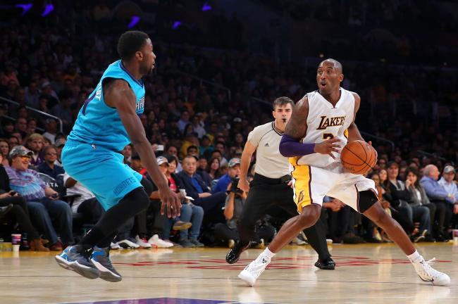 Kidd-Gilchrist difende su Kobe Bryant.