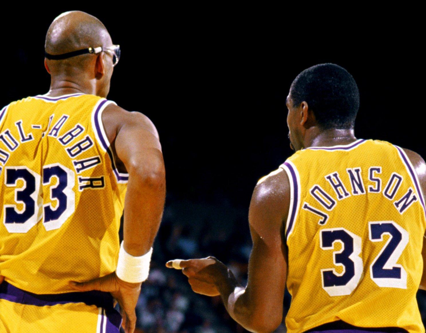 Los Angeles Lakers Showtime-Kareem-Abdul-Jabbar-Magic-Johnson