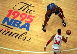 Olajuwon marcato da Shaquille O'Neal, NBA Finals 1995