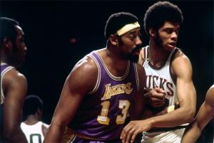 Scontro fra titani: Wilt Chamberlain (Lakers) contro Kareem Abdul-Jabbar
