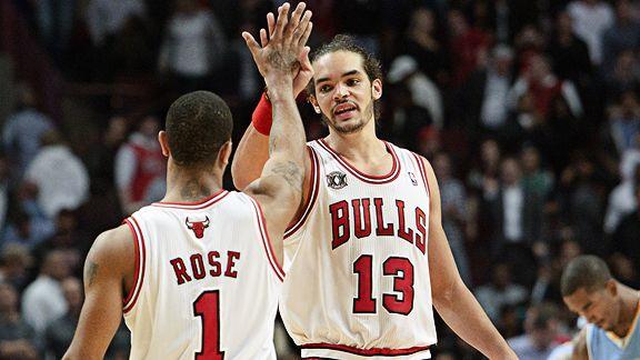 Joakim Noah difende Rose