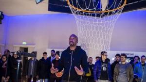 Hamilton in visita alla NBA Digital Exhibition di Milano