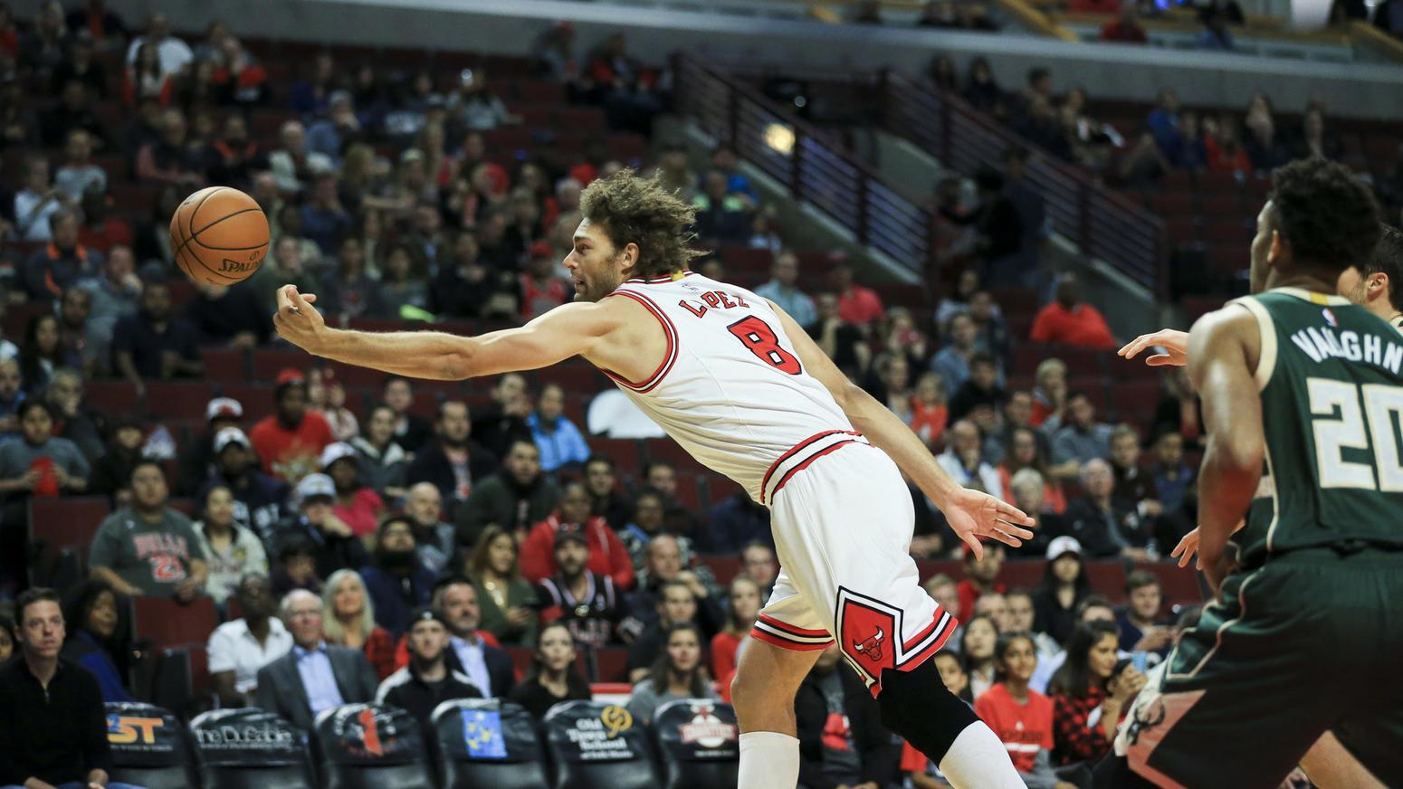 Brook-lopez-robin-Rissa Bulls-Thunder, Robin Lopez, centro dei Chicago Bulls