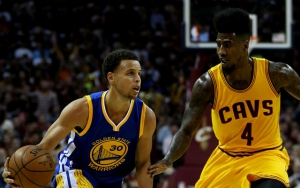 Iman Shumpert in difes contro Steph Curry