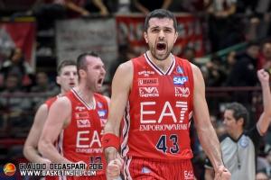Efes-Olimpia Milano: l'ex Simon può essere l'x-factor