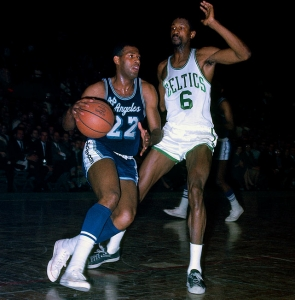 Elgin Baylor (Los Angeles Lakers) contro Bill Russell (Boston Celtics) alle NBA Finals 1962
