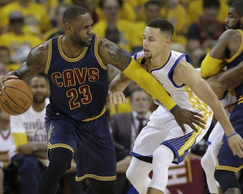 Curry e Lebron in game 1
