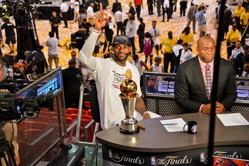 "Magic su LeBron: ""Conosceva i Lakers meglio di me, ha una intelligenza incredibile""-LeBron James finals-LeBron James e Magic 2013 NBA Finals - Game Seven"