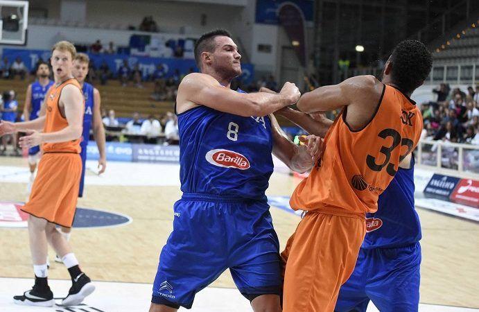 Il cazzotto scellerato di Danilo Gallinari a Kok: gli costerà Eurobasket con l'Italia