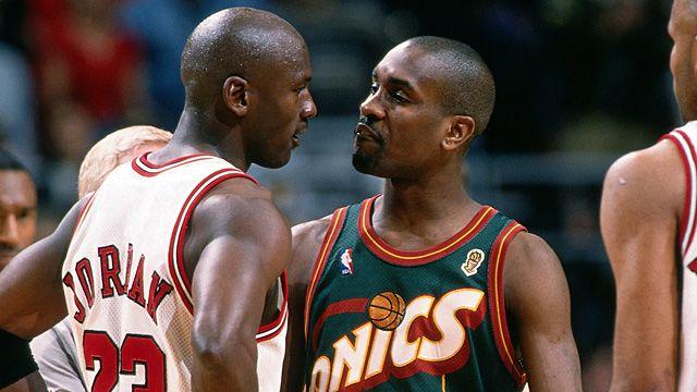 Gary Payton e Michael Jordan alle NBA Finals 1996