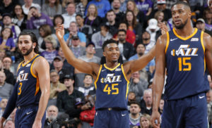 Momento eccellente per gli Utah Jazz di Ricky Rubio (#3), Donovan Mitchell (#45) e Derrick Favors (#15)