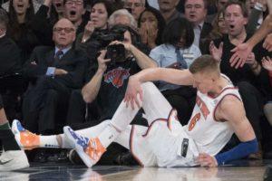 Stagione finita per Kristaps Porzingis, e forse anche per i suoi New York Knicks