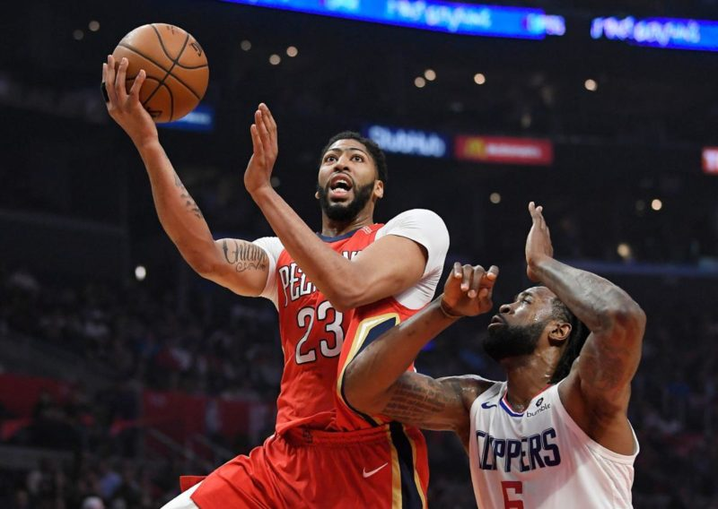 Anthony Davis-firma-con-Rich Paul