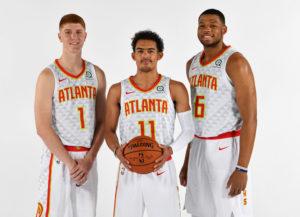 I volti nuovi del 2018/19 degli Atlanta Hawks. Da sinistra, Kevin Huerter, Trae Young e Omari Spellman