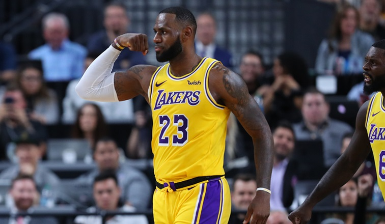 LeBron pazienza-LeBron James, Los Angeles Lakers vs Golden State Warriors at T-Mobile Arena