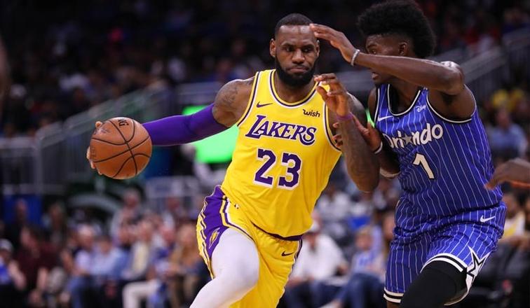 LeBron James, Los Angeles Lakers vs Orlando Magic at Amway Center