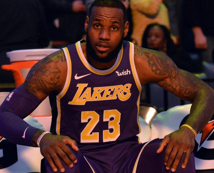 LeBron James, Los Angeles Lakers vs Memphis Grizzlies at FedExForum