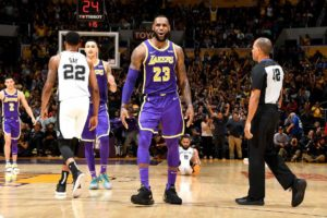 LeBron James, Los Angeles Lakers vs San Antonio Spurs at Staples Center