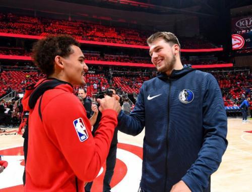 Trae Young e Doncic si salutano, sarà lo sloveno a spuntarla per il ROY?