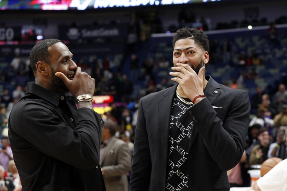 LeBron James and Anthony Davis, Los Angeles Lakers vs New Orleans Pelicans at Smoothie King Center
