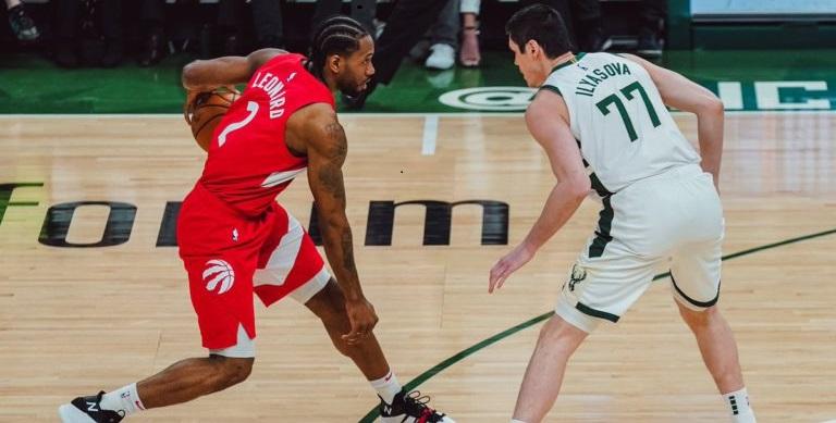 """Raptors, tre vittorie di fila e ad una dalle Finals, Bucks superati in trasferta, Kawhi: """"Mi alleno per questo"""""""