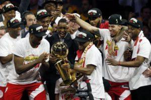 Toronto Raptors-esultanza-titolo