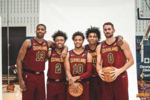 Da sinistra: Tristan Thompson, Collin Sexton, Darius Garland, Kevin Porter Jr. e Kevin Love