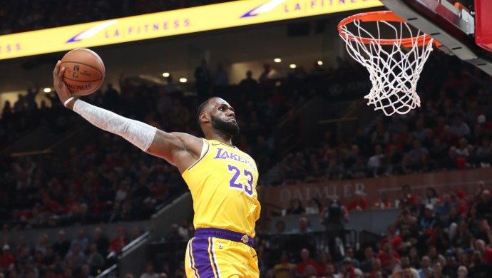 """Lakers-Clippers, LeBron James sulla sconfitta: """"Non era un test"""""""