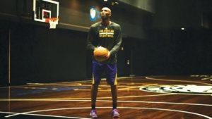 Kobe Bryant in una delle sue infinite sessioni di tiro