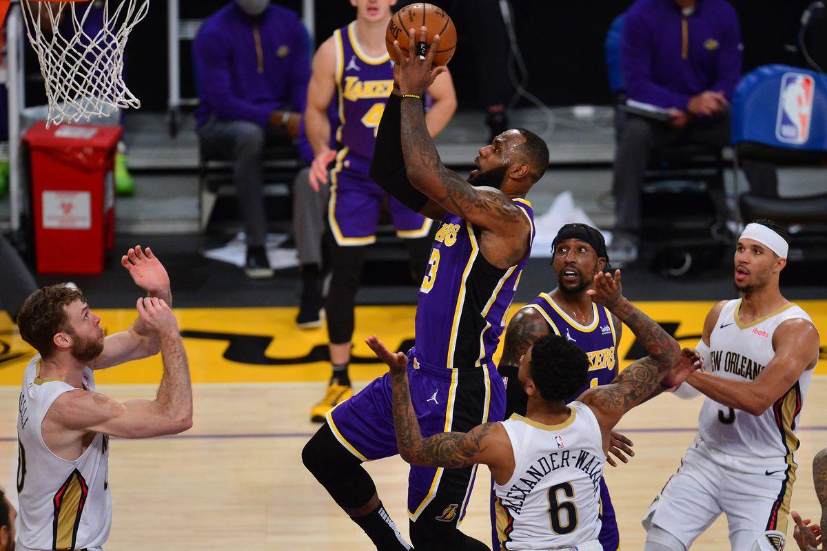 """Lakers imbattibili e ora c'è anche il tiro da tre punti, LeBron: """"Siamo ..."""